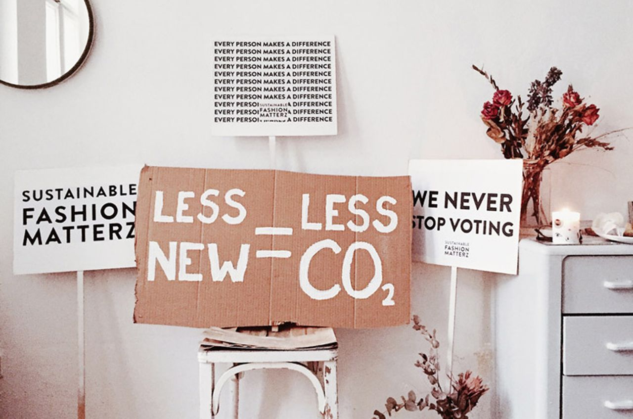 Sustainable shopping signs